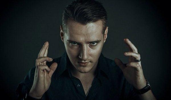 Uchastnik Bitvy ekstrasensov 13 sezon Dmitrij Volhov