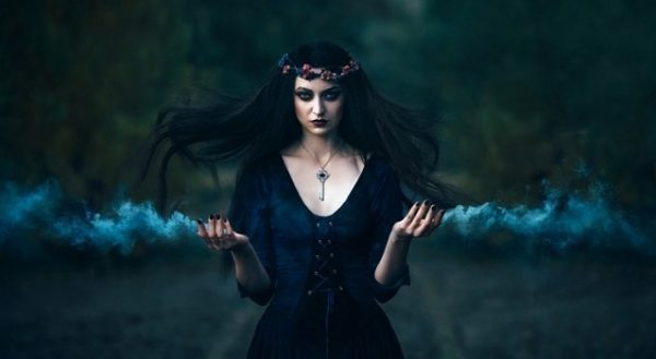Ведьмами рождаются или становятся?