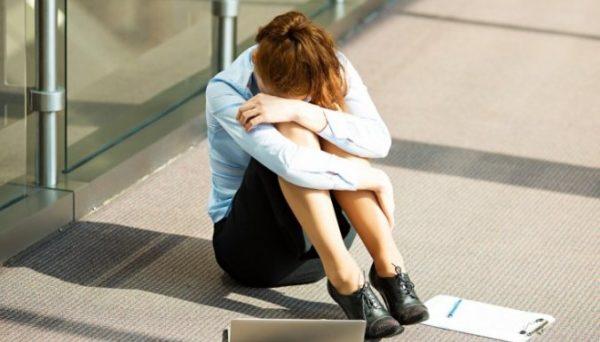 sieviete krize darbs karjera problemas 50350577