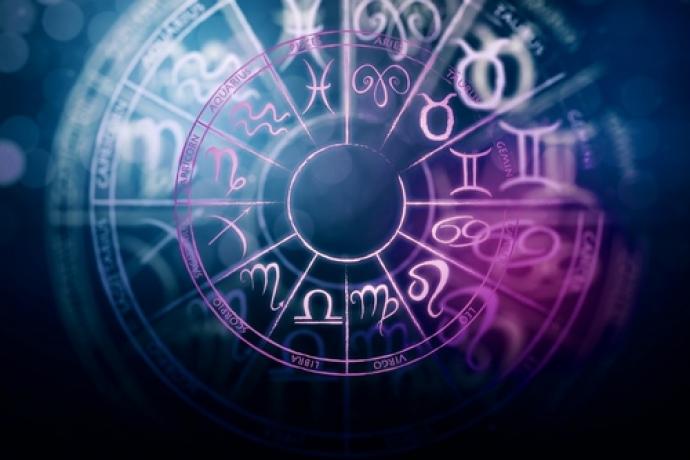 Картинки по запросу Финансовый гороскоп на октябрь 2019 года