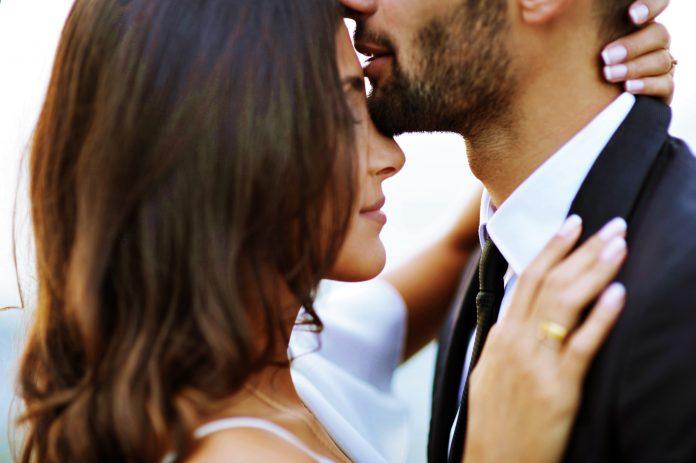 """Картинки по запросу """"Мужчины по знаку Зодиака, которые ненавидят поцелуи и прочие нежности"""""""