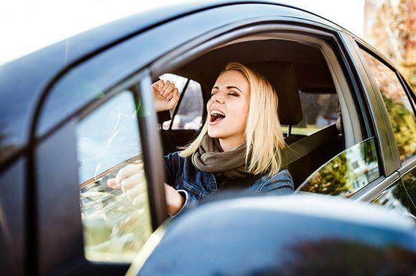 Овен с гранатой: как знаки зодиака водят машину | Журнал Cosmopolitan
