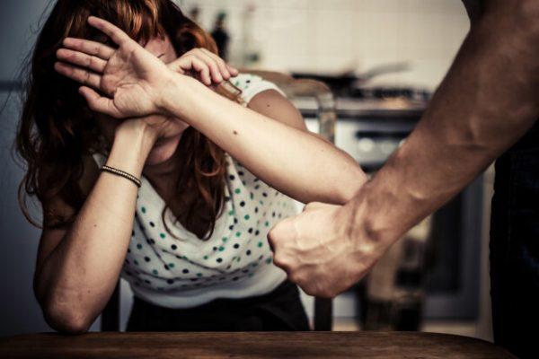 Астрологи рассказали, какие знаки Зодиака склонны к домашнему насилию