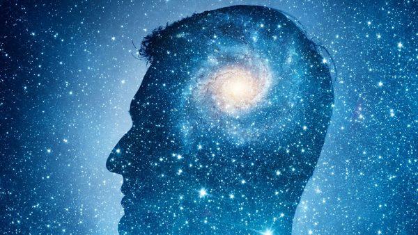 Специалисты определили, что в невесомости мозг человека необратимо ...