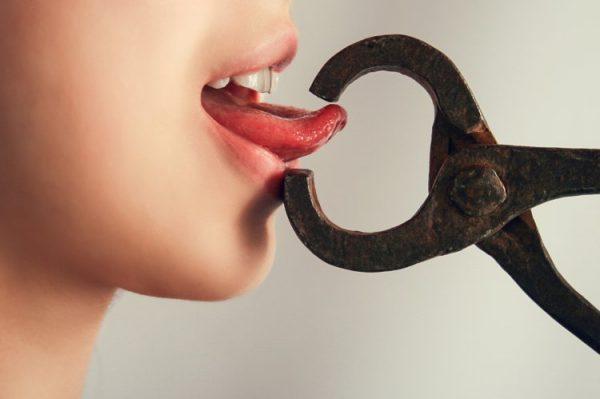 Названы знаки Зодиака, не умеющие «держать язык за зубами»