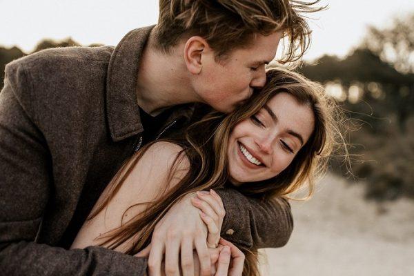 Как признаются в любви мужчины и женщины разных знаков зодиака