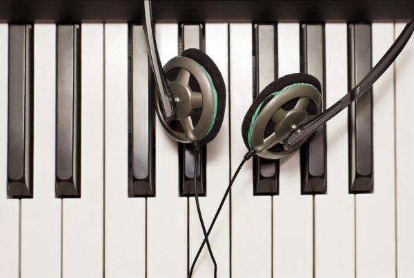 Какую музыку предпочитают знаки Зодиака | WMJ.ru