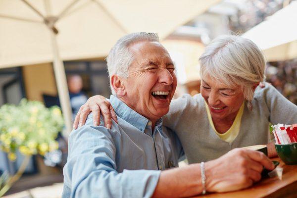Ученые: Счастливые люди медленнее стареют